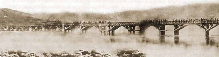 Pasarela madera sobre río Eume 1863